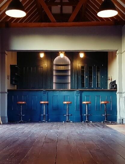 Fair Oak Farm - Barn kitchen and bar