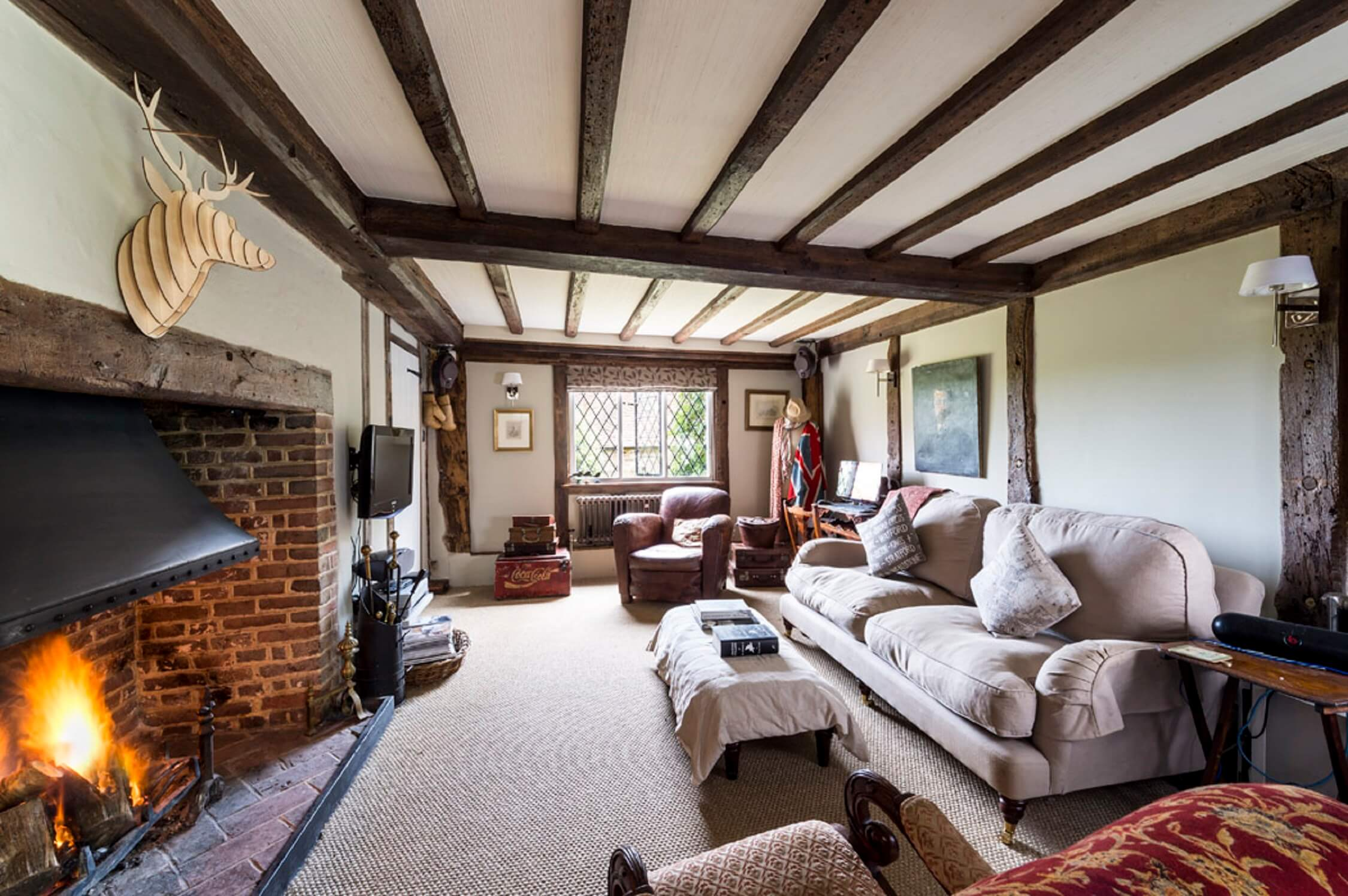Fair Oak Farm - Farmhouse living room