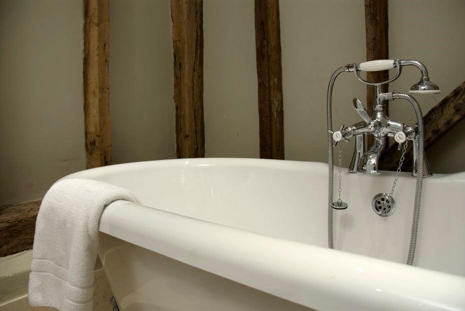 Fair Oak Farm - Free standing bath