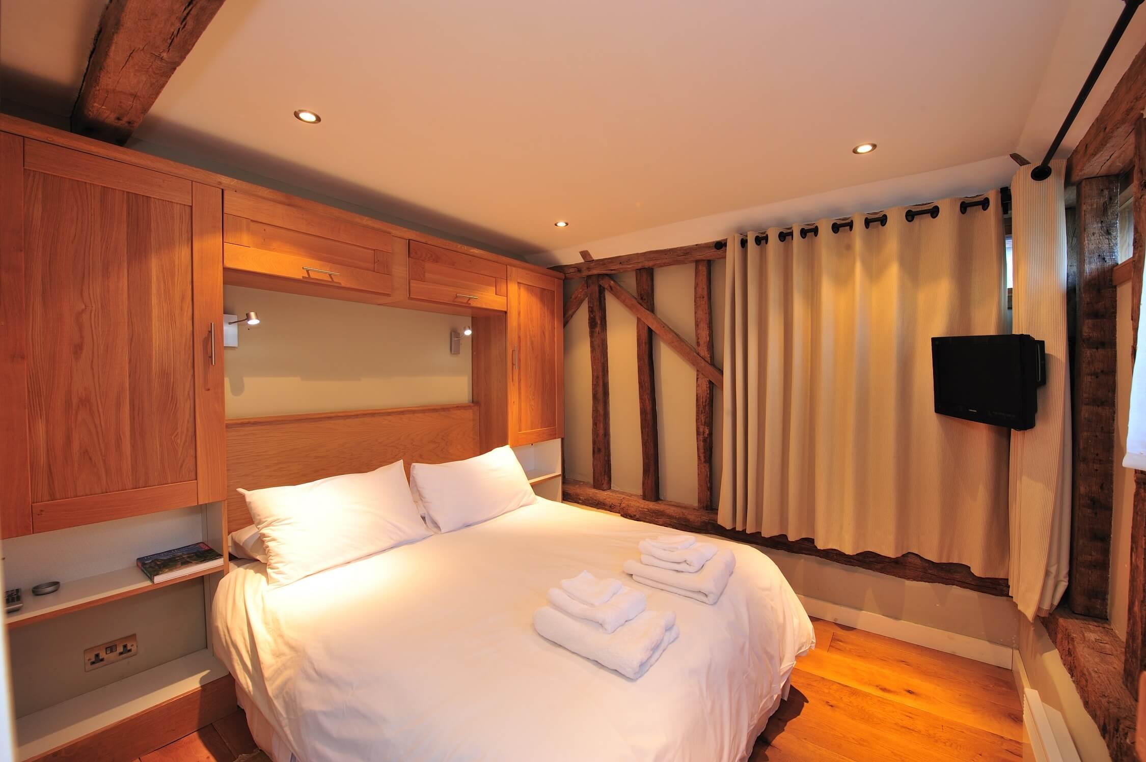 Fair Oak Farm - Grain store bedroom
