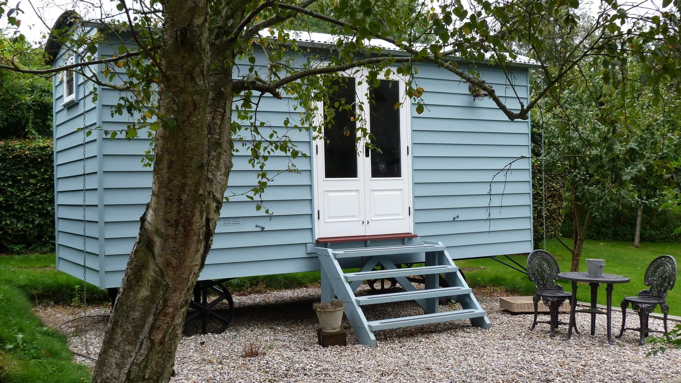 Fair Oak Farm - Shepherd's Hut exterior
