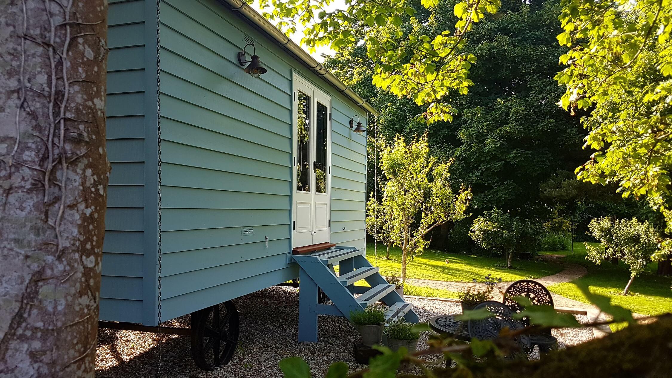 Fair Oak Farm - Shepherd's Hut in Orchard