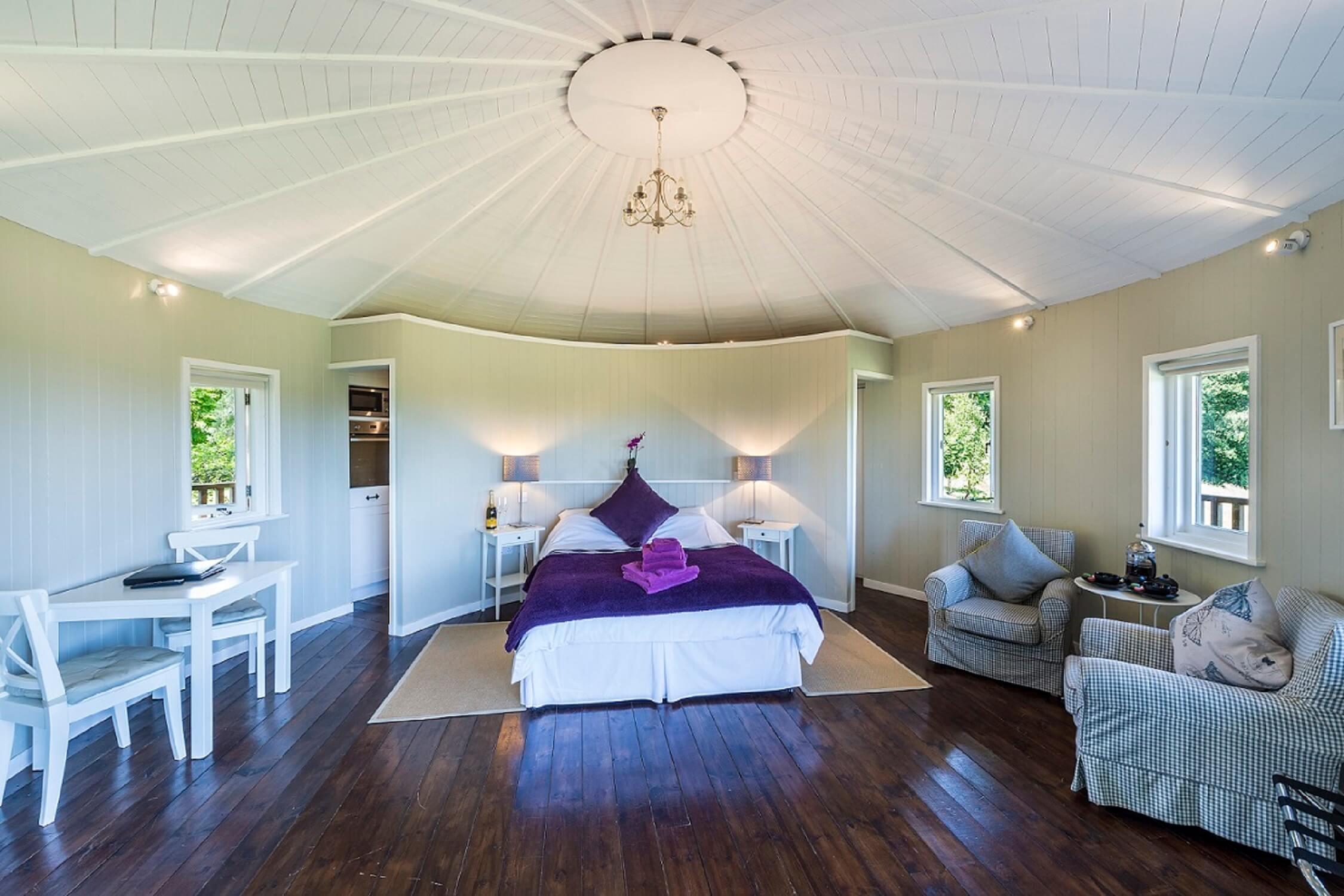 Fair Oak Farm - Treehouse interior