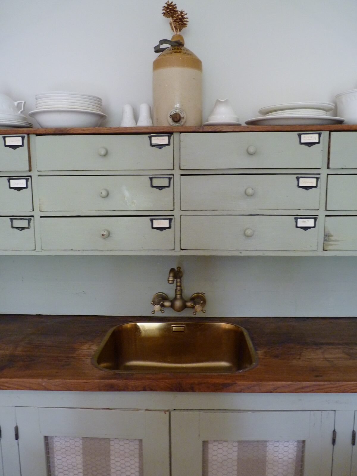 Gold sink to wash your paintbrushes in!
