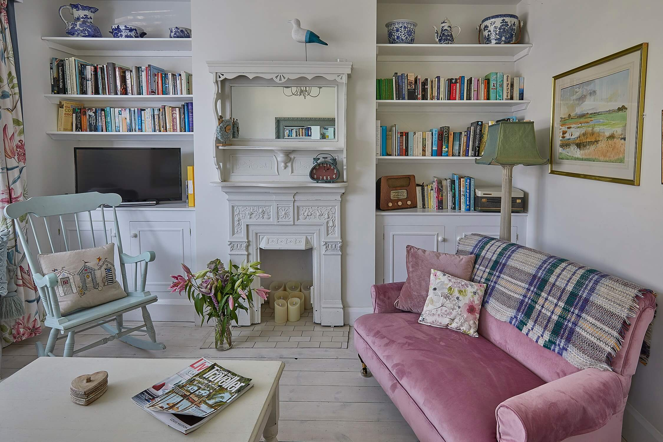 Hollies House - Front sitting room - Sussex luxury self catering