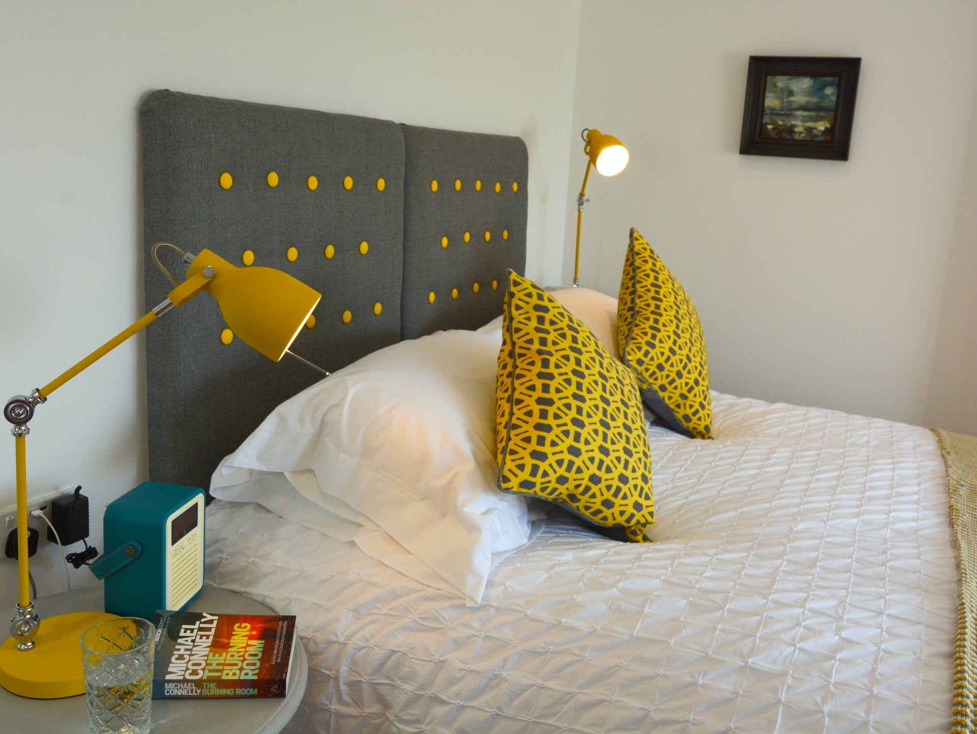 The Beach Hive Pevensey Bay Sussex Beach Fronted Holiday Cottage - Bedroom 2 with ensuite