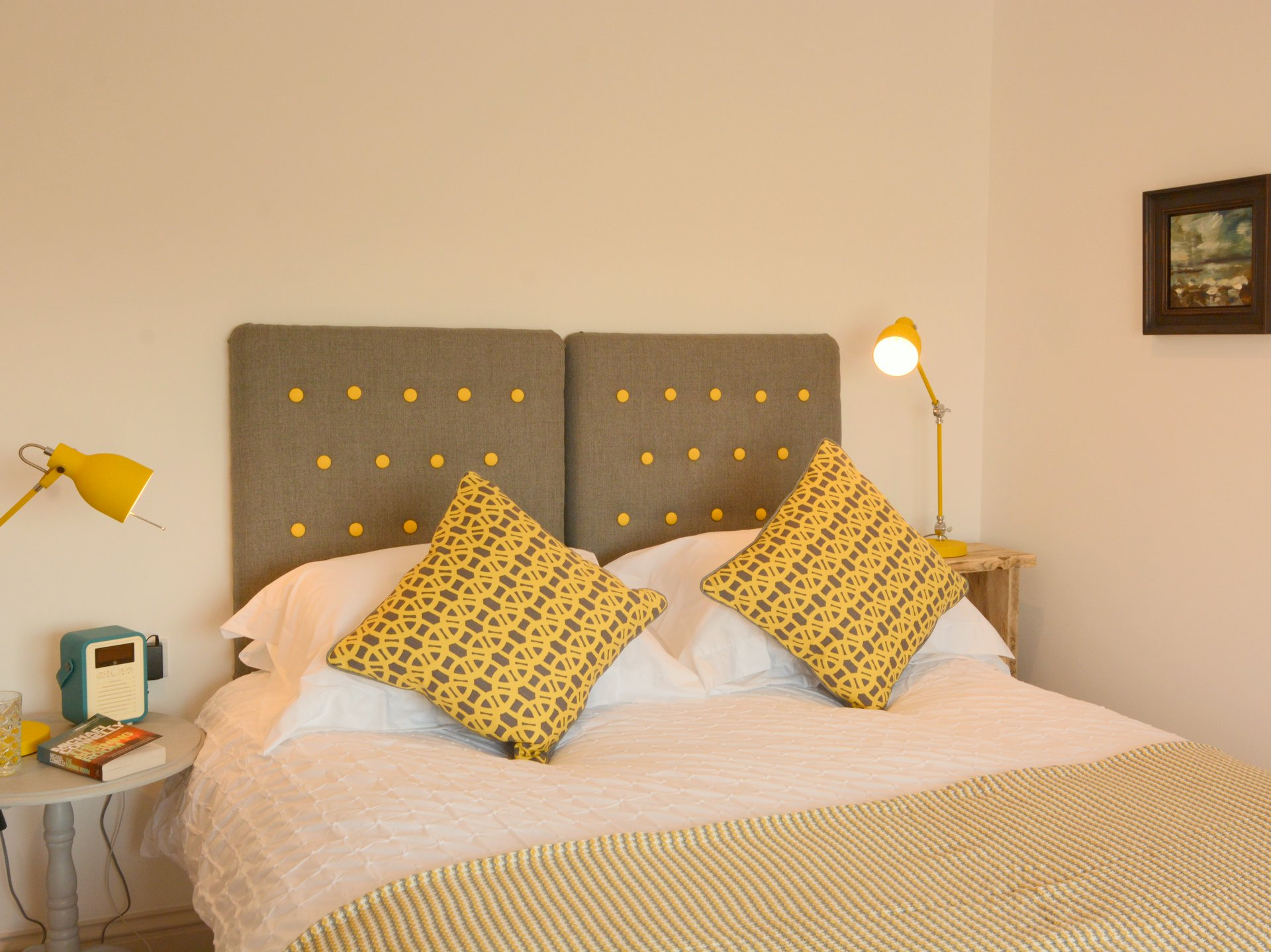 The Beach Hive Pevensey Bay Sussex Beach Fronted Holiday Cottage Sleeps 6 - Bedroom 2 with ensuite