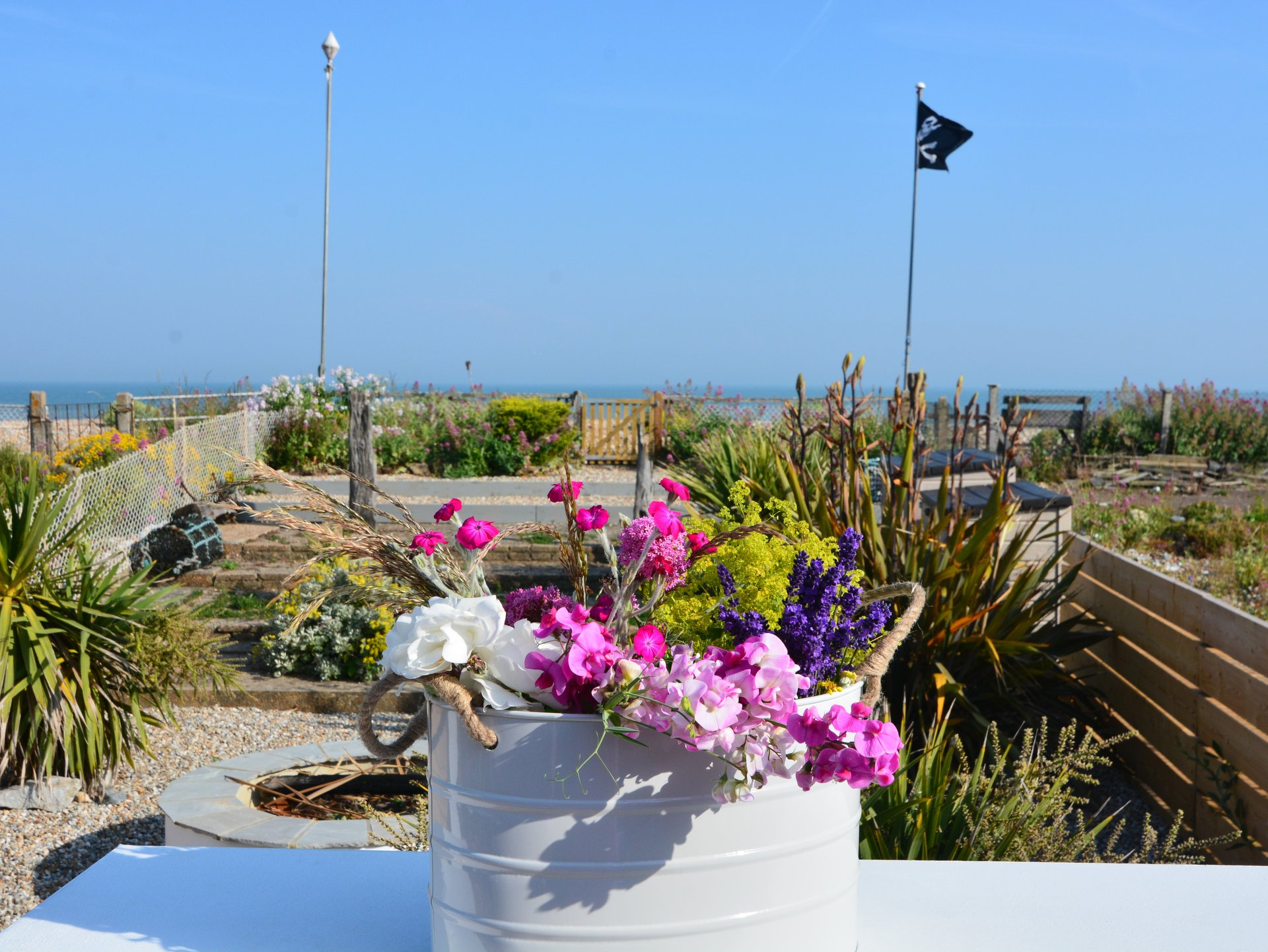 The Beach Hive, Pevensey Bay, Sussex Beach Fronted Holiday Cottage Sleeps 6 The sea garden