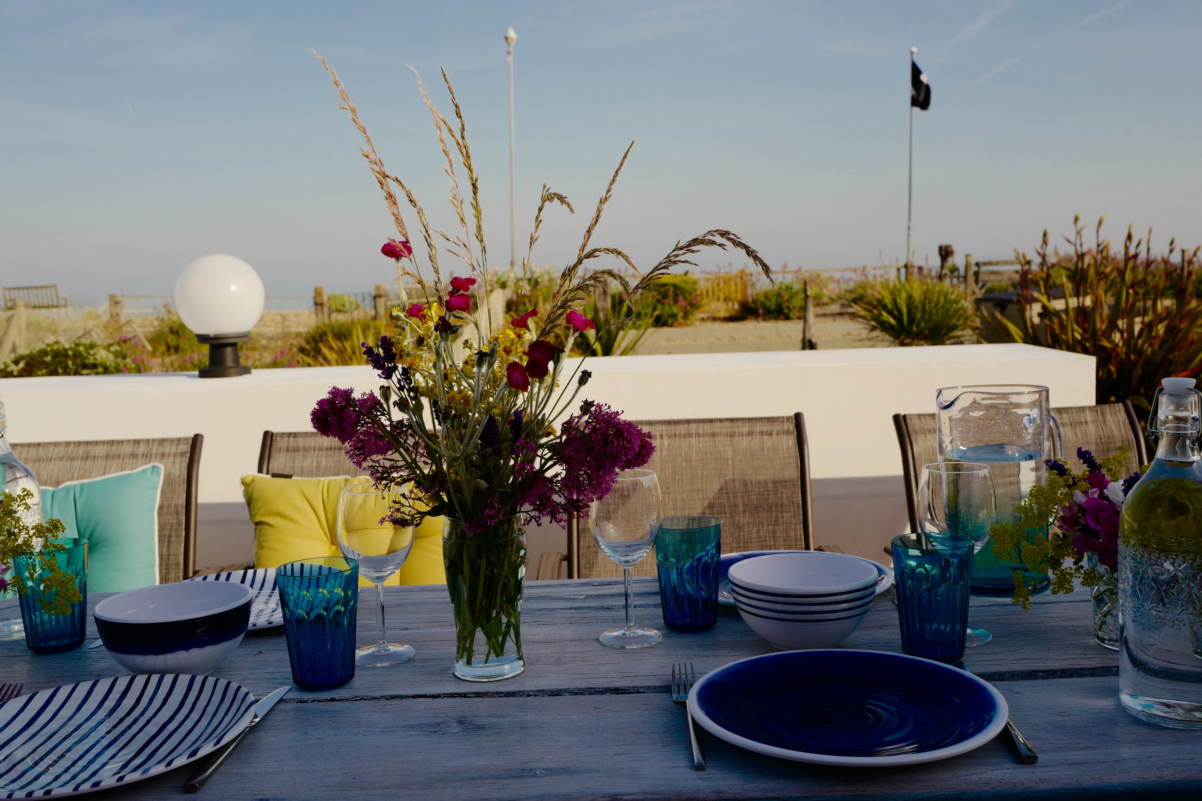 The Beach Hive, Sussex beach fronted holiday home - alfresco dining