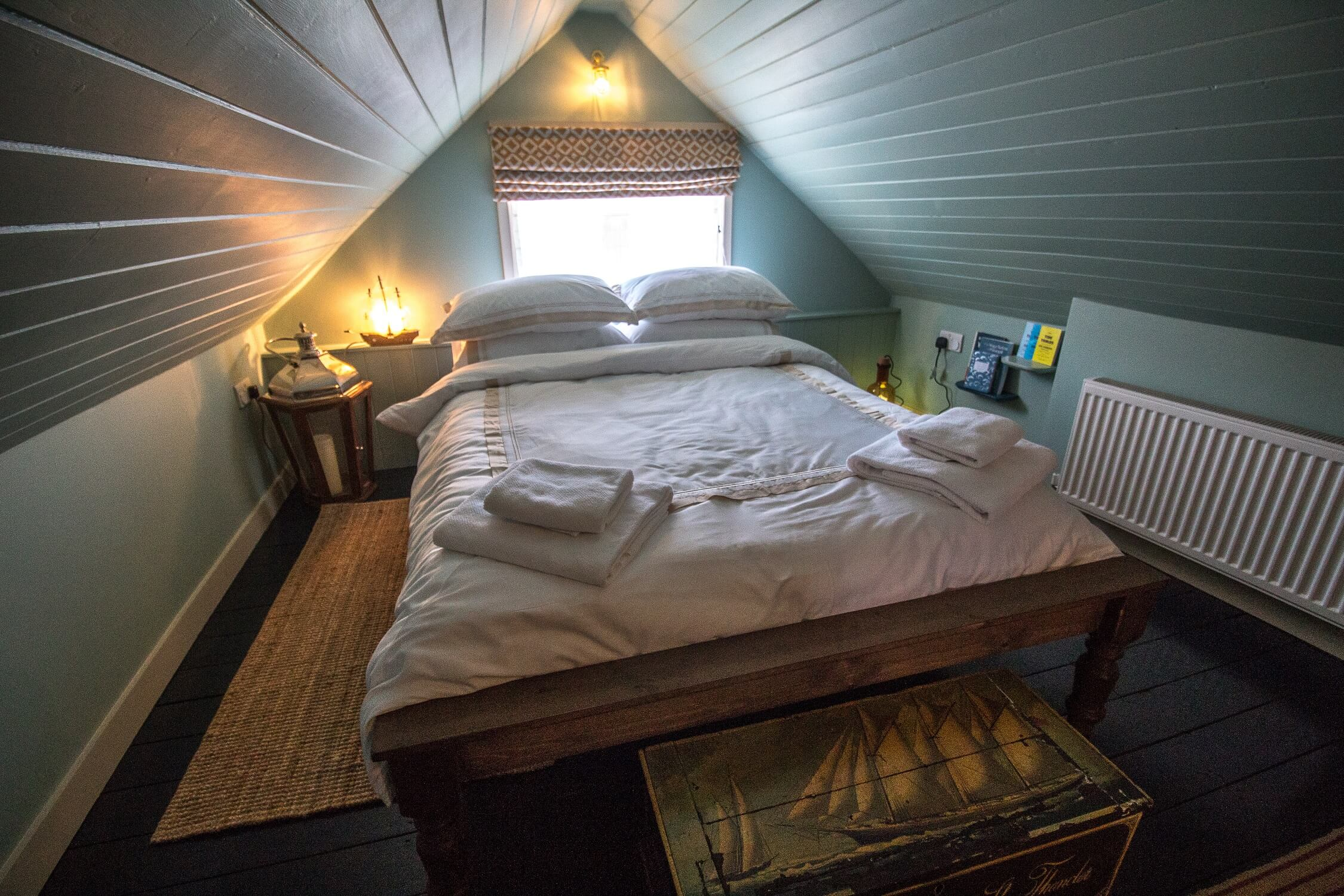 The Crow's Nest Rye - double bedroom. Romantic retreat. Dog friendly.