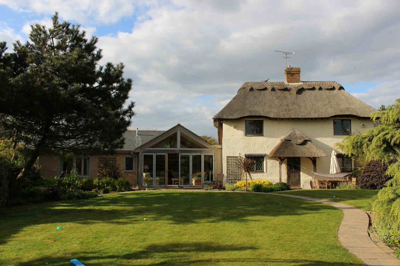 Berry Barn Cottage - sleeps 10 people
