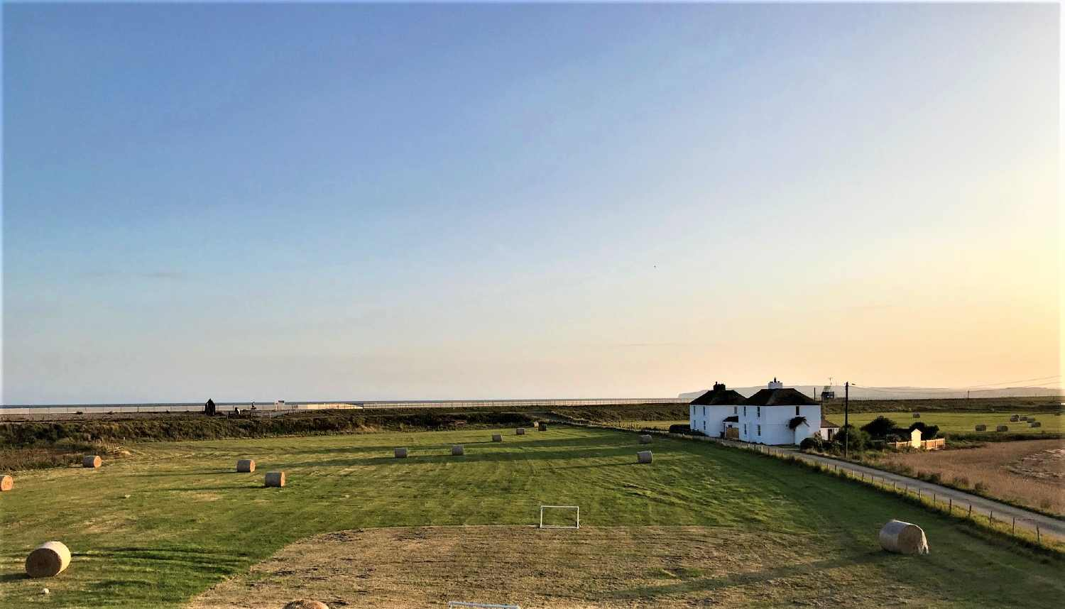 Romney and Walland Cottages -moments from the beach