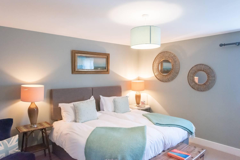 Master Bedroom Kingfisher Lodge