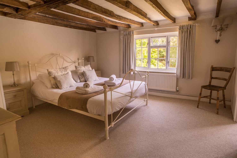 Double bedroom detail