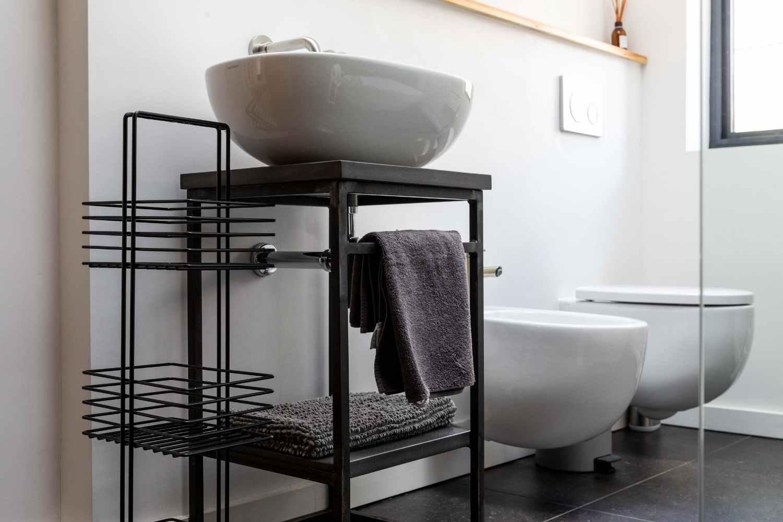 Bathroom 2 - on the mezzanine
