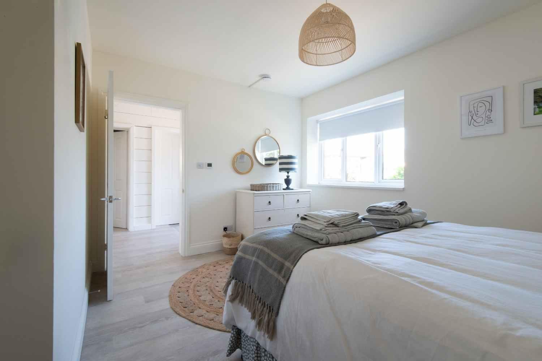 Bedroom Three - Kingsized bed