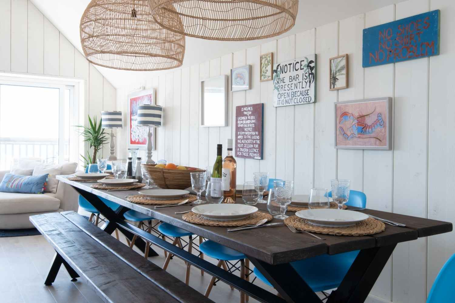 Enjoy your meals with views of the beach and sea