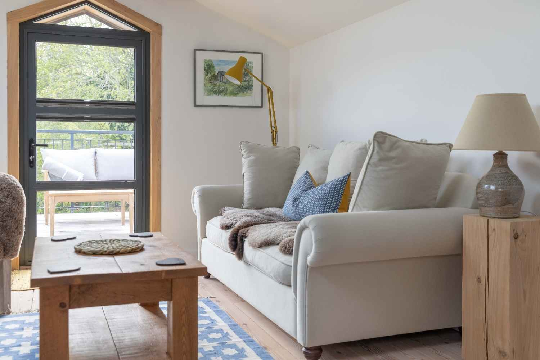 Mezzanine snug & seating area