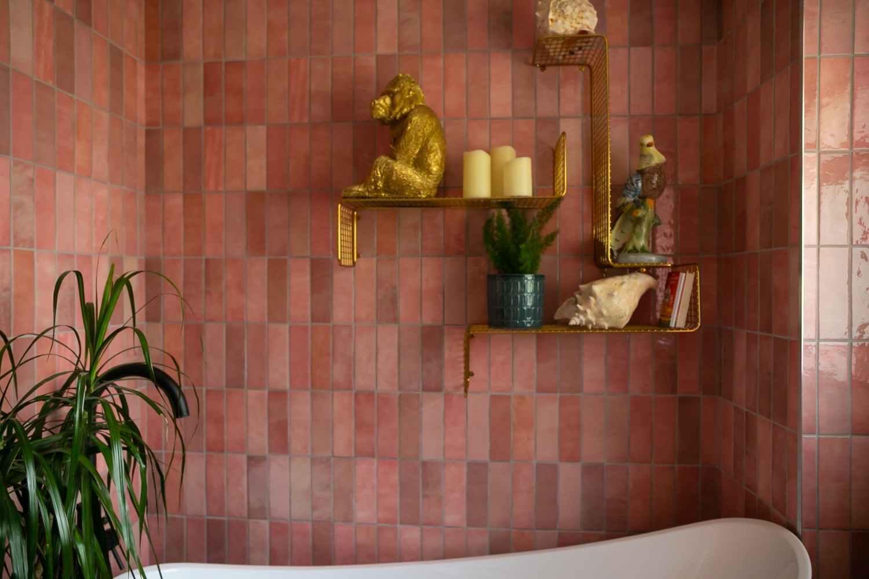 Bathroom with slipper bath