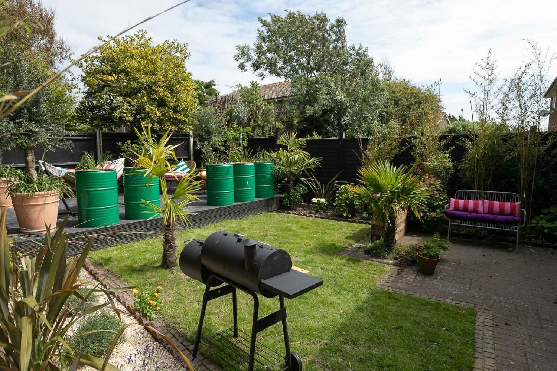 Garden with BBQ & smoker