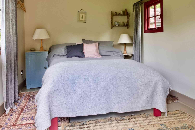 The Hut bedroom